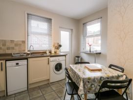 Spa Side Apartment - Whitby & North Yorkshire - 29239 - thumbnail photo 8
