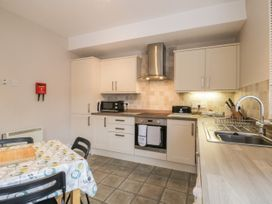 Spa Side Apartment - Whitby & North Yorkshire - 29239 - thumbnail photo 9