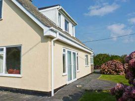 4 bedroom Cottage for rent in Rosudgeon