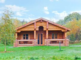 Cedar Log Cabin, Brynallt Country Park - Shropshire - 3623 - thumbnail photo 12