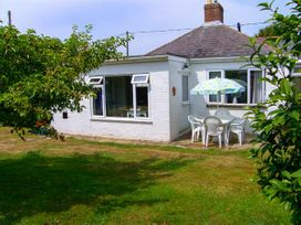 3 bedroom Cottage for rent in Milford on Sea
