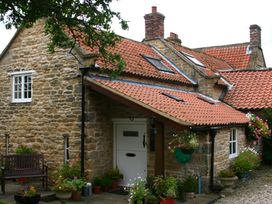 Lilac Cottage - North Yorkshire (incl. Whitby) - 3909 - thumbnail photo 2