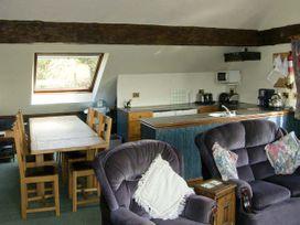 Pendre Apartment (Upstairs) - North Wales - 3931 - thumbnail photo 3