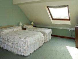 Pendre Apartment (Upstairs) - North Wales - 3931 - thumbnail photo 6