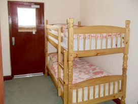 Dylan's Court - South Wales - 4135 - thumbnail photo 6