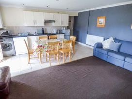 Dylan's Court - South Wales - 4135 - thumbnail photo 3