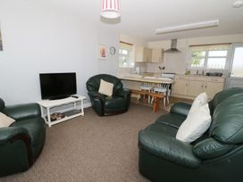 Beech Cottage - Anglesey - 4185 - thumbnail photo 2