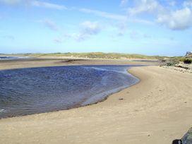 Driftwood - Anglesey - 4196 - thumbnail photo 13