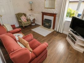 Clover Cottage - South Wales - 4202 - thumbnail photo 4