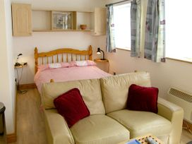 Sail Loft Annexe - Isle of Wight & Hampshire - 4222 - thumbnail photo 2