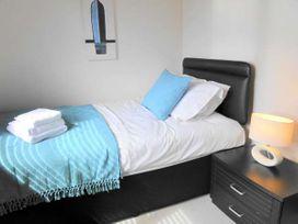 Brynich Villa - South Wales - 4400 - thumbnail photo 12