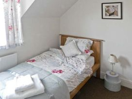 Grove Cottage - North Yorkshire (incl. Whitby) - 4543 - thumbnail photo 6