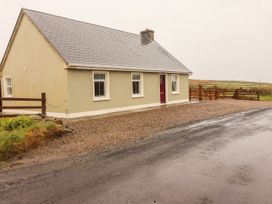 Sea View Cottage - County Clare - 4639 - thumbnail photo 1