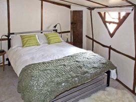 Brookbank Folly - Cotswolds - 6733 - thumbnail photo 6