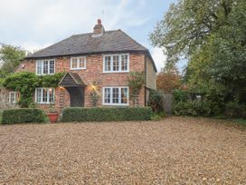 4 bedroom Cottage for rent in Ashford, Kent