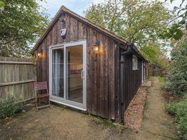 2 bedroom Cottage for rent in Ashford, Kent
