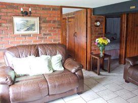 Severn Bank Lodge - Cotswolds - 8765 - thumbnail photo 4