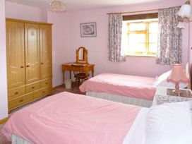 Parlour Cottage - Isle of Wight & Hampshire - 903663 - thumbnail photo 8