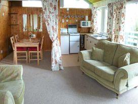 Hazel Chalet - Whitby & North Yorkshire - 903685 - thumbnail photo 3