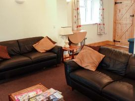 Sunshine Lodge - Somerset & Wiltshire - 903836 - thumbnail photo 3