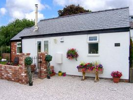 1 bedroom Cottage for rent in Mold