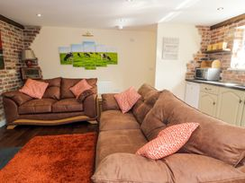 Ffynnonlwyd Cottage - South Wales - 904205 - thumbnail photo 4