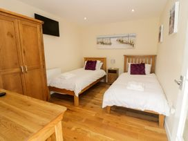Ffynnonlwyd Cottage - South Wales - 904205 - thumbnail photo 10