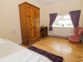 Ffynnonlwyd Cottage - South Wales - 904205 - thumbnail photo 14