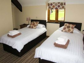 Tyn Y Celyn Canol - North Wales - 904807 - thumbnail photo 11