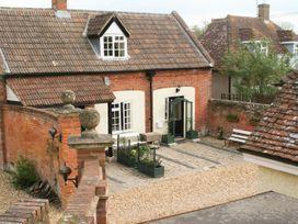 4 bedroom Cottage for rent in Devizes