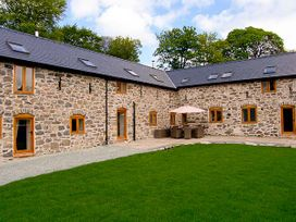 Castell Courtyard - North Wales - 905109 - thumbnail photo 3