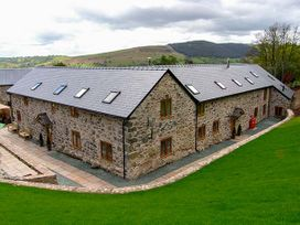 Castell Courtyard - North Wales - 905109 - thumbnail photo 49
