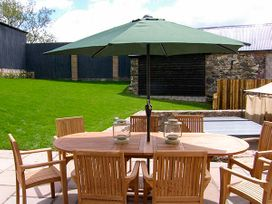 Castell Courtyard - North Wales - 905109 - thumbnail photo 50