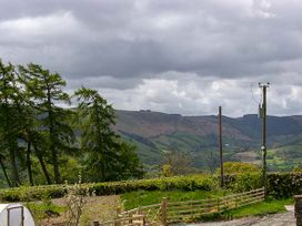Castell Courtyard - North Wales - 905109 - thumbnail photo 52