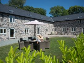Castell Courtyard - North Wales - 905109 - thumbnail photo 4