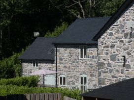 Castell Courtyard - North Wales - 905109 - thumbnail photo 39