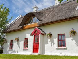 Teac Chondai Thatched Cottage - County Donegal - 906057 - thumbnail photo 2
