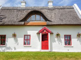 Teac Chondai Thatched Cottage - County Donegal - 906057 - thumbnail photo 3