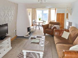 South View Cottage - Whitby & North Yorkshire - 906432 - thumbnail photo 2