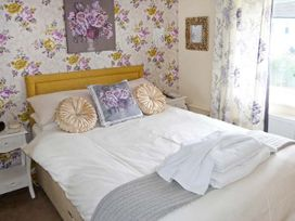 South View Cottage - Whitby & North Yorkshire - 906432 - thumbnail photo 6