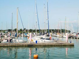 Port Side - Isle of Wight & Hampshire - 906577 - thumbnail photo 9