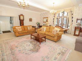 Richmond Hall - North Wales - 906816 - thumbnail photo 3