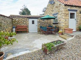 Cow Byre Cottage - Whitby & North Yorkshire - 911892 - thumbnail photo 2