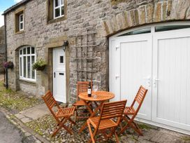 2 bedroom Cottage for rent in Settle