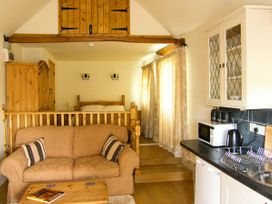 Gwynfryn Cottage - Mid Wales - 912385 - thumbnail photo 2