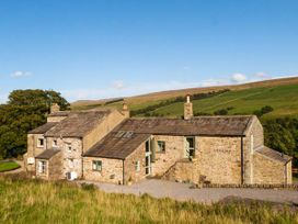 6 bedroom Cottage for rent in Horsehouse