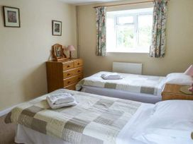 Stable Cottage - Isle of Wight & Hampshire - 913108 - thumbnail photo 7