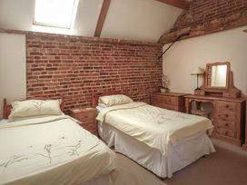 Hadleigh Farm Barn - Norfolk - 914136 - thumbnail photo 10
