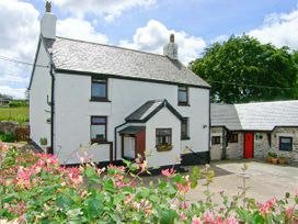 The Old Farmhouse - North Wales - 914425 - thumbnail photo 2