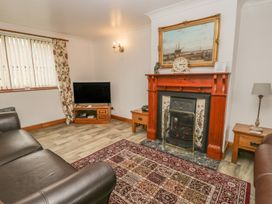 Airy Hill Farm Cottage - Whitby & North Yorkshire - 915190 - thumbnail photo 11